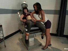 Scorching Asphyxia lets Skin Diamond tied her down