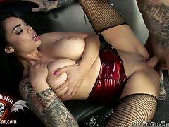 Tera Patrick having her celebrity pornstar pussy hammered nicely