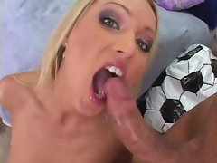 Stunning Sue Diamond gets a mouth full off warm spunk
