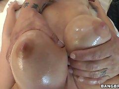 Sexy slut Jennifer Dark gets her fun bags massaged
