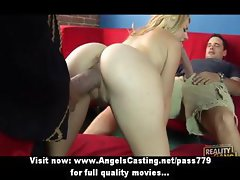 Amateur gorgeous blonde chik gets fucked by two big cocks