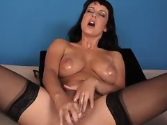 masturbate beautiful girl