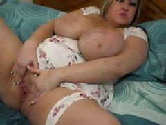 Fat girl masturbates her pussy