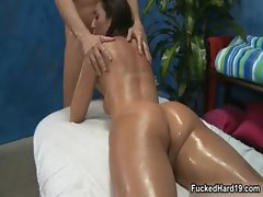 Fit brunette babe gets her pussy fucked