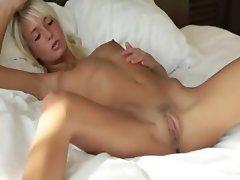 Blonde beauty spreads pink hole