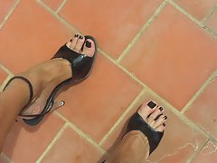 Shynthiah Heels Black Nails