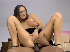 Dirty babe Venus gets even wilder in this voyeur movie. CHeck her out...