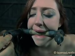 This is how mind fuck someone. Holly Wildes is spending some time...