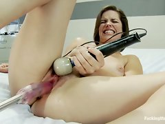 DragonLily finger fucks Bobbi Star's ass while the Sybian vibes her...
