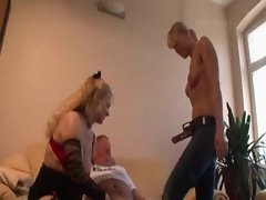Lucky older man has sex with mom and daughter - Rayra