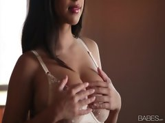 horny Layla Rose Masturbating