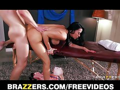 Naughty bum Vanilla Deville has her fatty butt screwed