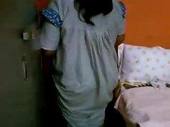 Seductive indian Aunty 1076