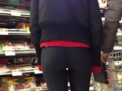 Spandex lady jiggles