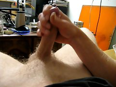 filthy chap wanking moaning with cumshot!