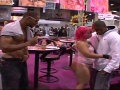 Big Bum Pinky gets banged