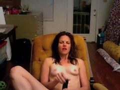 Really Alluring Mum Masturbates on Cam.
