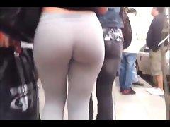 AMAZING street spandex ass! WOW