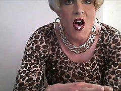 blonde crossdresser jerkoff 3