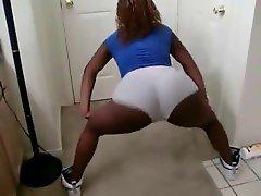Young Ebony Shake
