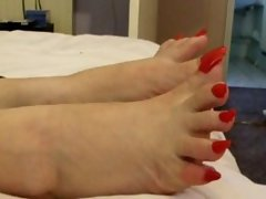 Lady Lev Long Red Natural Toenails