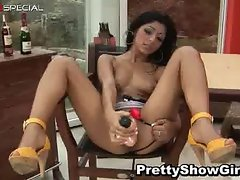 Super horny indian babe working on a big part3