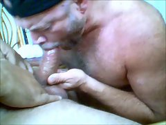 Max Magnummann SUCKED by a Daddy Bear