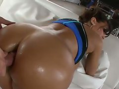 Milf lisa ann knows how to anal