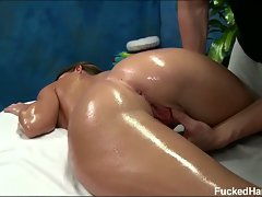 Hd brunette brooklyn gets oiled up massage and fingered