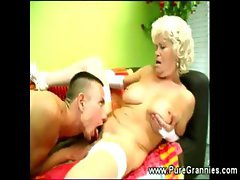 Granny hairy muff worked with tongue