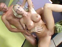 Blonde Nadia Hilton Hardcore