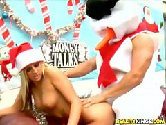 Christmas babe humped by Frosty