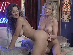 Milf Lisa Ann loves to get her salad tossed