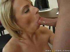 Brianna Beach swallows an huge shaft down her throat