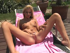 Naughty nympho Bambi spreads her thighs to get drilled outdoors