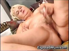 Nasty mom feeling sexy playing part1