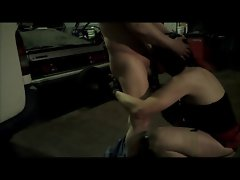T-girl Alexandra blowing a mechanic to cumshot