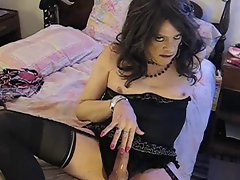 Tgirl Linda Pleasures Herself