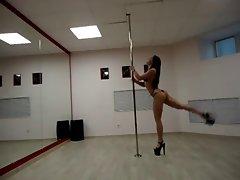 Leila Pole Dancing