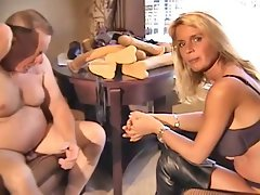 Lisa Berlin get a new Strap-on for Christmas