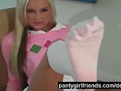 Feet teasing babe