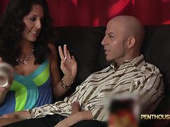 Gracie Glam gets a surprise in her popcorn