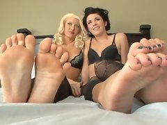 Andy San Dimas and Summer Brielle Taylor foot fun