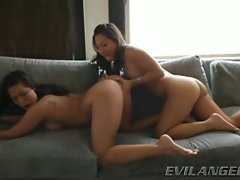 Asa Akira loves finger fucking London Keys wet pussy