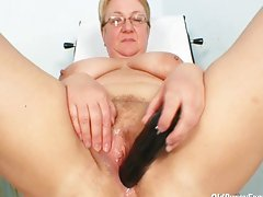 Fat mature Radka gets real speculum exam