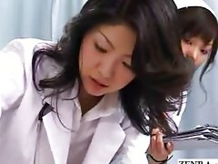 Milf doctor shows nurses proper handjob