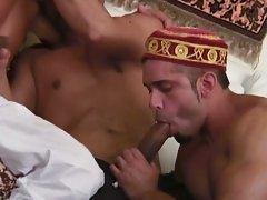 Horny arabian dudes sucking each other