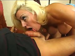 Horny cougar hunting for some hard cock