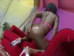 Big ass ebony in budonka dunk rider