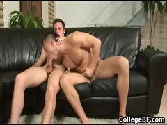 College hunks Paulie Vauss and Brody gay porn